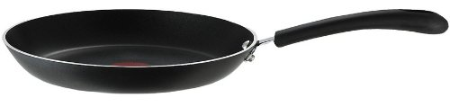 3. T-fal E93808 Cooking Pan